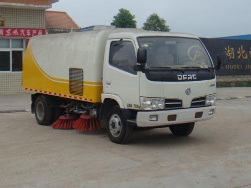 5071TSLDFA4型扫路车