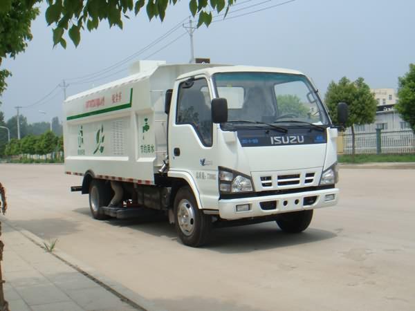 5070TXCQ4型吸尘车