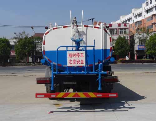 东风国五大型绿化喷洒车