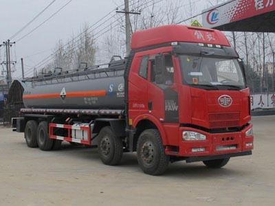 解放前四后八16.8吨腐蚀性物品罐式运输车