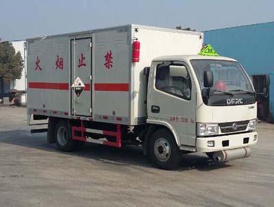 东风多利卡3.4吨腐蚀性物品厢式运输车
