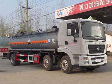 东风小三轴14.1吨腐蚀性物品罐式运输车