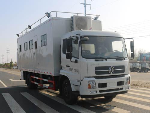 东风天锦野外宿营车