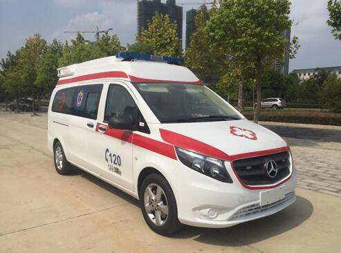 国六奔驰威霆高品质救护车